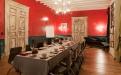 Salon rouge au Chateau Touny les Roses